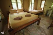 Bedroom with 1 Queen and 1 Single bed